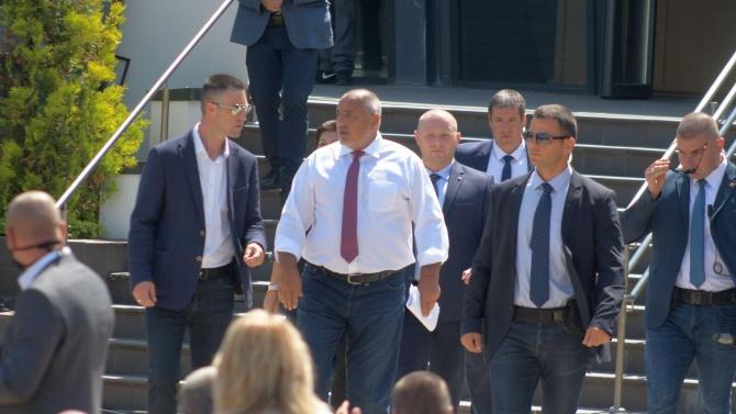 Анализатори: 20 души ли ще свалят Бойко Борисов от власт?