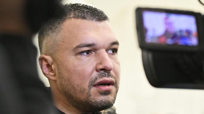 Ново гадже върна Валери Божинов в България?