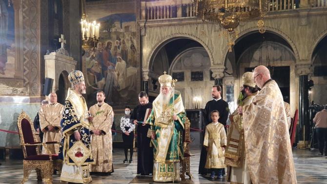 Архиерейска св. Литургия бе отслужена в Патриаршеската катедрала за празника
