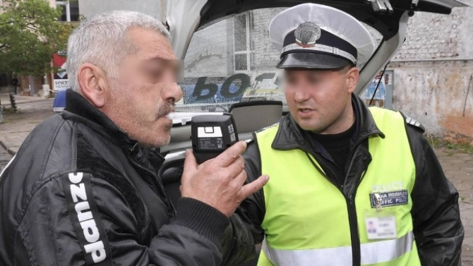 Тракторист счупи дрегера във Варненско