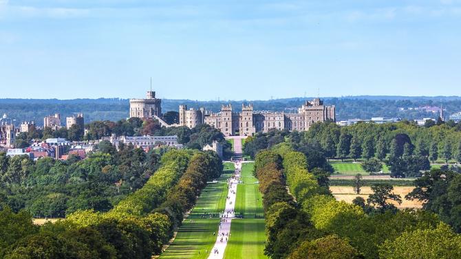 Замъкът Уиндзор в Англия, една от официалните резиденции на британската