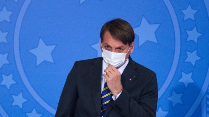 Бразилският президентнареди отпускането на 356 млн. долара за ваксина срещу коронавируса