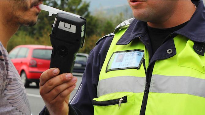 В Димитровград полицаи арестуваха снощи шофьор с 3.28 промила алкохол