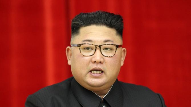 Севернокорейският лидер Ким Чен-унКим Чен Ун (на хангъл 김정은, на