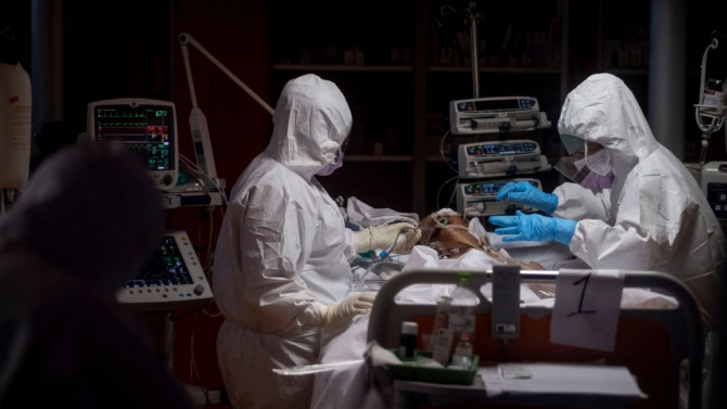 Над 2000 смъртни случая от коронавирус бяха регистрирани за 24