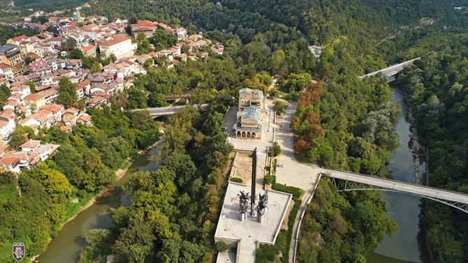 Областният кризисен щаб във Велико Търново препоръчва да не се провеждат събори и масови мероприятия