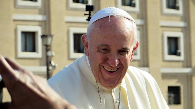 Папа Франциск изпрати дарение на Ливанската църква