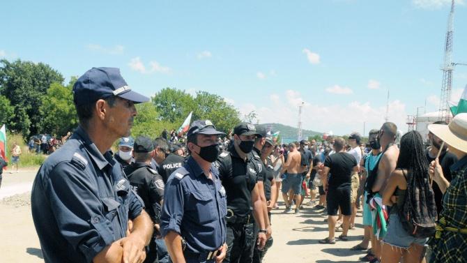 """Дисциплинарни мерки срещу служителите на НСО,  спрели със сила достъпа до """"Росенец"""""""