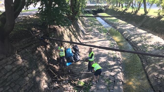Завърши почистването на речното корито на р. Драгалевска в София
