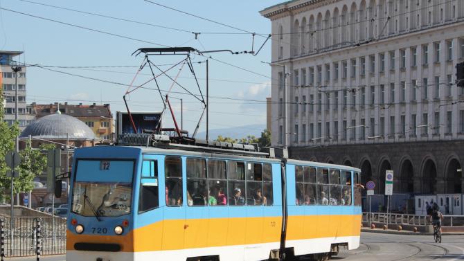 Променени в маршрутите на градския транспорт в София заради блокадите