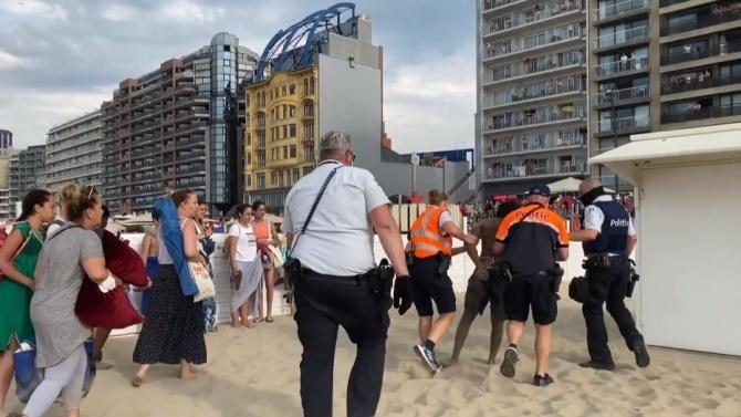 Арести след сбиване при евакуация на белгийски плаж