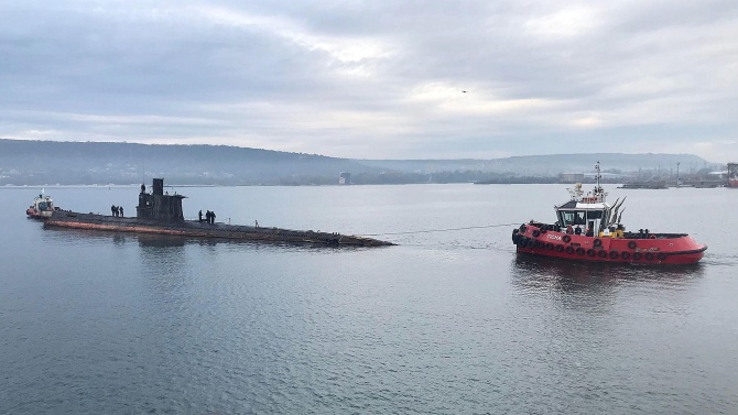 Преговори за подводници се водят с две държави, съобщи днес