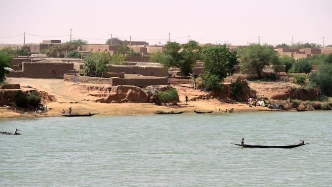 Шестима френски туристи и двама нигерци са убити от въоръжени