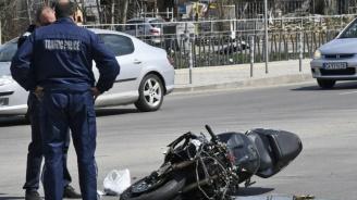 Разкриха какво е състоянието на младия моторист от мелето на пътя в столицата