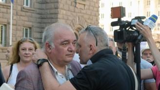 Задържаха Арман Бабикян при акцията на палатковите лагери