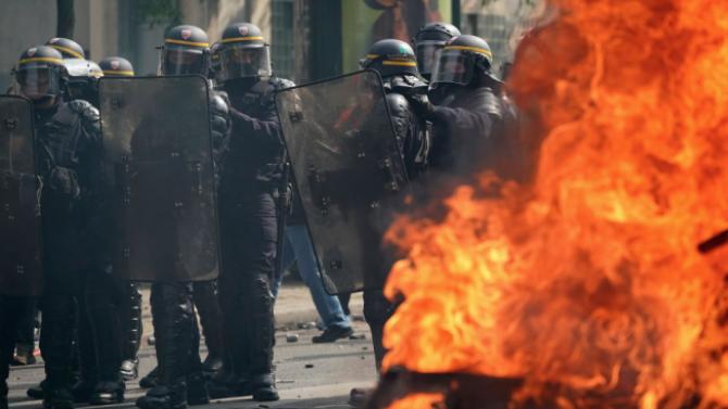 Протестът пред сградата на профсъюзите в Портланд бе обявен от властите за бунт
