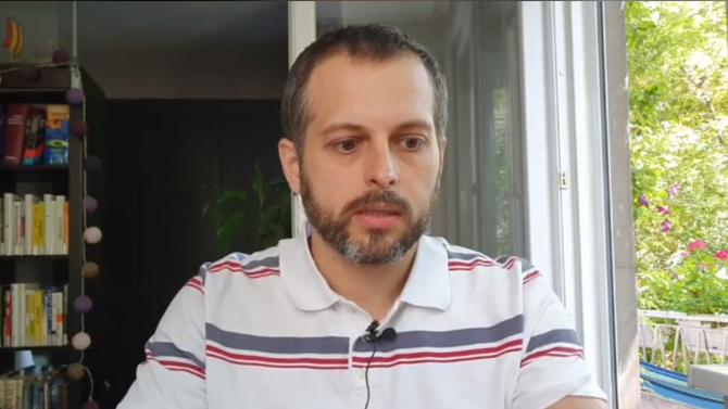 """Протестър за скандала с Маджо: Христо Иванов, кажи си -  кой е """"тоя""""?"""