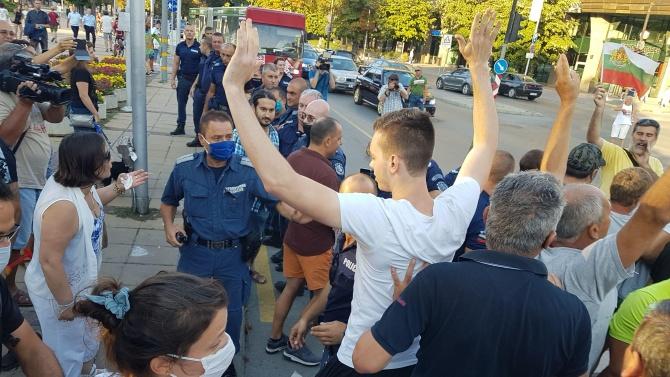 Седем автобусни линии във Варна са с променен маршрут заради