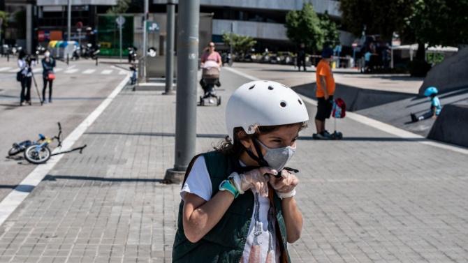 Дезинфектанти, почистващи препарати и предпазни маски са получили детските градини