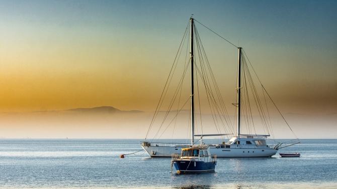 Гърция е открила огън по лодка с цивилни на борда