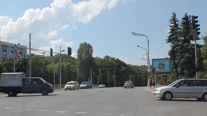 """Поради затворени кръстовища на Орлов мост, бул.""""Васил Левски"""" и бул.""""Цар"""