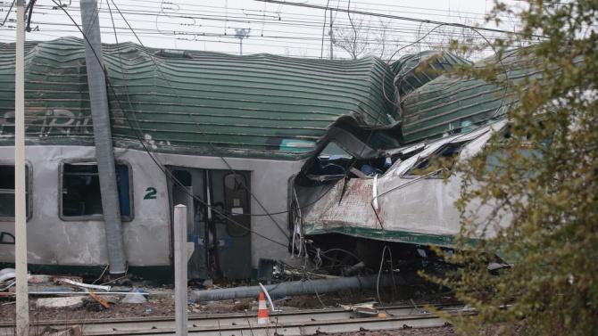 Влак катастрофира в Североизточна Шотландия