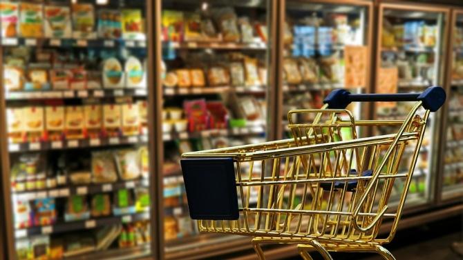 Спад на клиентите и оборотите в търговските вериги заради пандемията