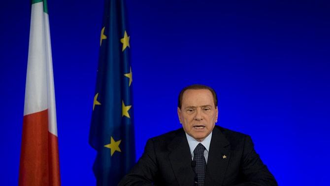 Берлускони показа новата му 30-годишна приятелка