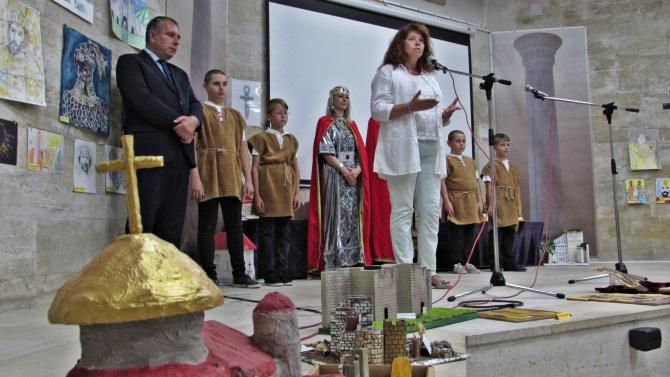 България има много талантливи и умни деца. Тези грамотни млади