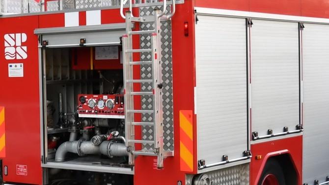 Екипи на пожарната в Сливен са се отзовали на пет