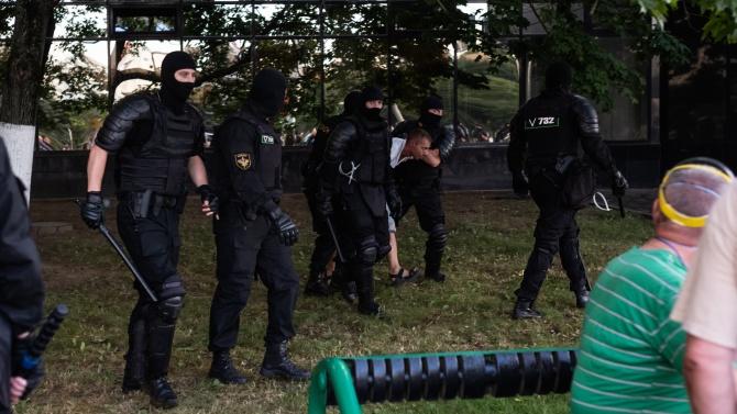 700 протестиращи арестувани за ден в Беларус
