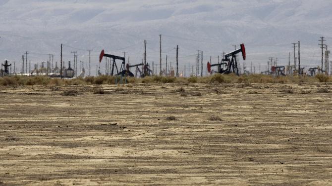 Цените на петрола се понижиха в азиатската търговия след данните