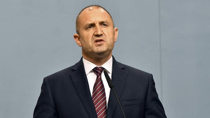 Радев изказа съболезнования на семейството на легендарния футболист Бисер Михайлов
