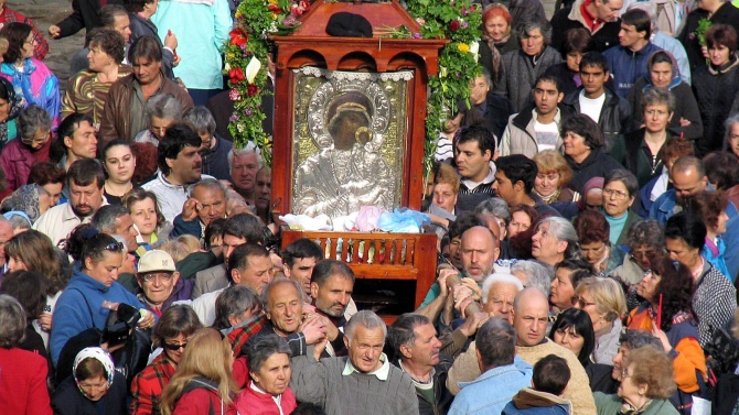 Без курбан за големия християнски празник Успение Богородично в Бачковския манастир