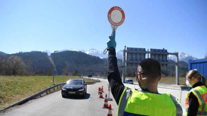 Австрия призова днес жителите си от понеделник нататък да не