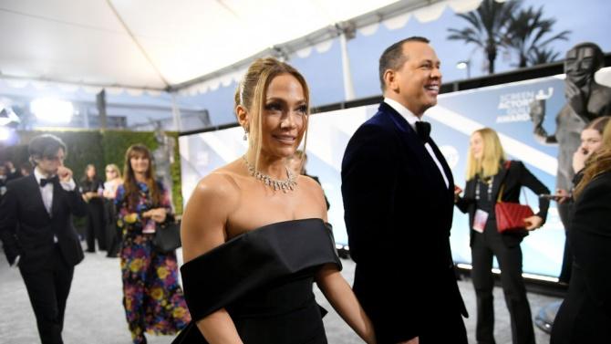 Певицата и актриса Дженифър Лопес и годеникът ѝ, бившата бейзболна