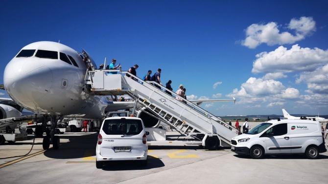 Първите организирани туристи от Израел се очакват на летище Варна