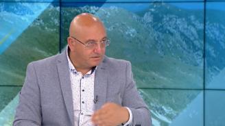 Емил Димитров: Някой плаща за случващото се по площадите