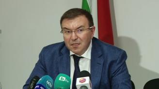 Здравният министър с подробности за огнището на COVID-19 в Спешна помощ в Пазарджик