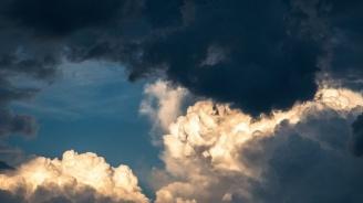 Времето днес: Слънце на изток, на запад - облаци, дъжд и гръмотевици