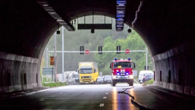 """Ограничават за три часа тази нощ преминаването в тръбата за Варна на тунел """"Витиня"""""""
