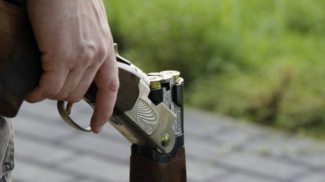 Мъж е прострелян с пневматична пушка