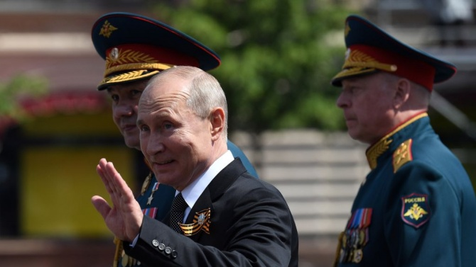 ЕС съветва Путин да не се намесва със сила в Беларус