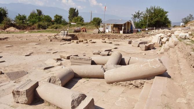 Пътешествие: Хераклея Синтика, градът от който Александър Велики тръгва да завладява света
