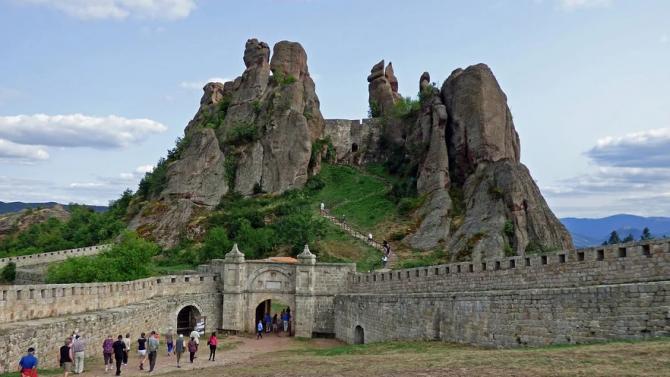 """На 21 август се открива фестивалът """"Опера на върховете"""" на Белоградчишките скали"""