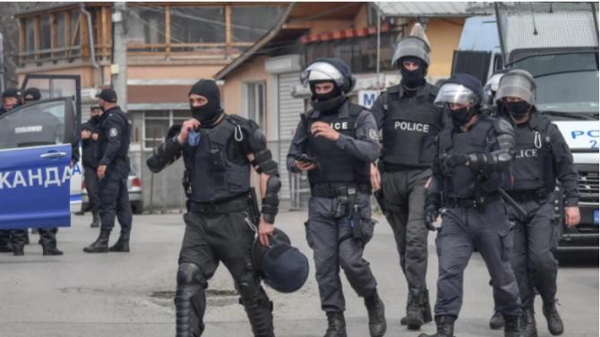 Разбиха група за изнудвания във Варна, сред участниците са и длъжностни лица от община Варна