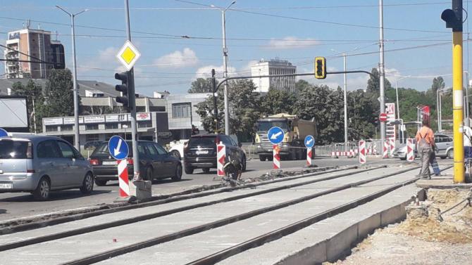 """Фандъкова се похвали със завършването на ремонта на северното пътно платно на бул. """"Асен Йорданов"""""""