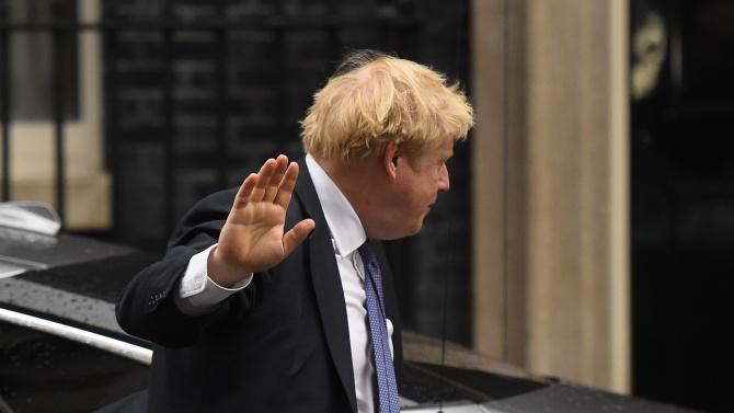 Борис Джонсън хвърля оставка заради влошено здраве от COVID-19?