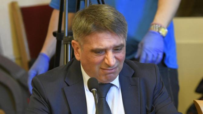 Фейсбук гръмна след оставката на Данаил Кирилов