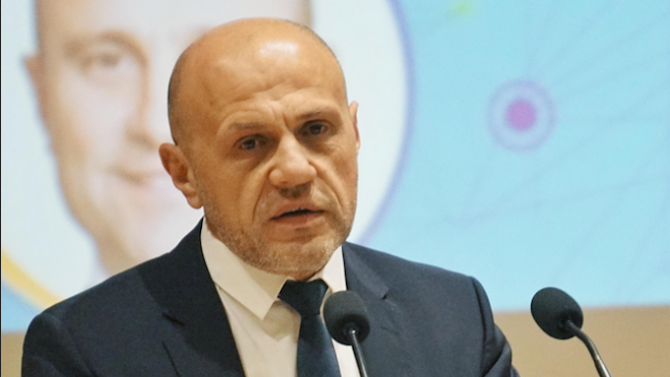 Томислав Дончев с коментар за машинното гласуване и оставката на председателя на ЦИК